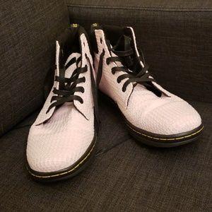 NWOT Dr. Marten Bubblegum Pink Maelly Boot